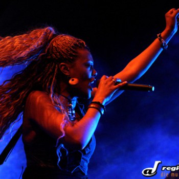 Bonita live 01